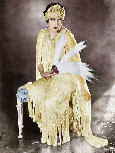 1920a model actress Gloria Swanson