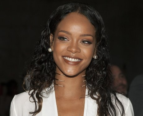 rihanna hair styles 2014 bigger is better when it comes to rihanna s 8089