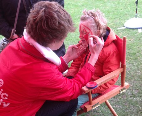 olly painting a girls face
