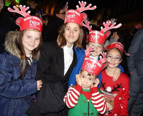Heart Angels: Chatham Christmas Light Switch On (1