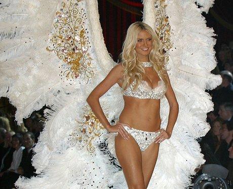Heidi Klum models 2003 Victoria's Secrets