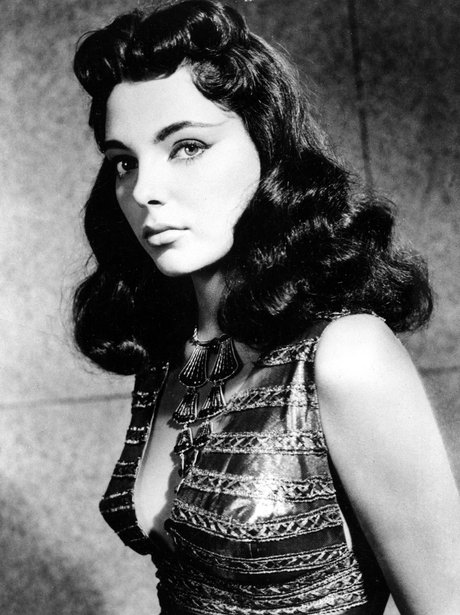 Joan Collins in Land Of Pharaohs