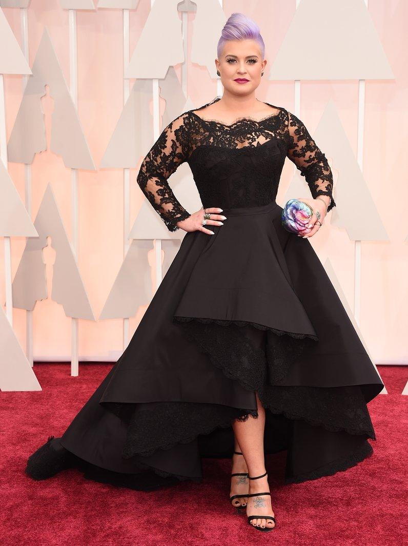 Kelly Osbourne arrives at the Oscars 2015