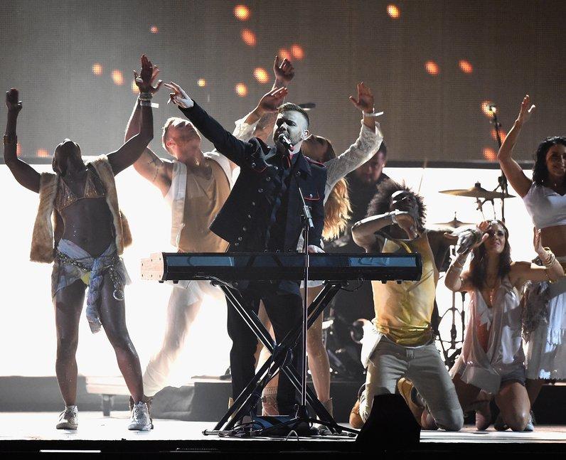 Take That BRIT Awards Performance 2015