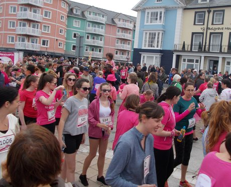 Crowds at Race for Life