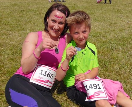 Race For Life Llanelli 2015: Medals and finishers!