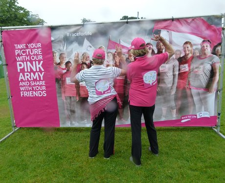 Race For Life Watford 2015 - Before The Race - Gal