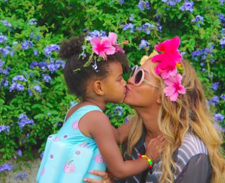 Beyonce and Blue Ivy Kissing