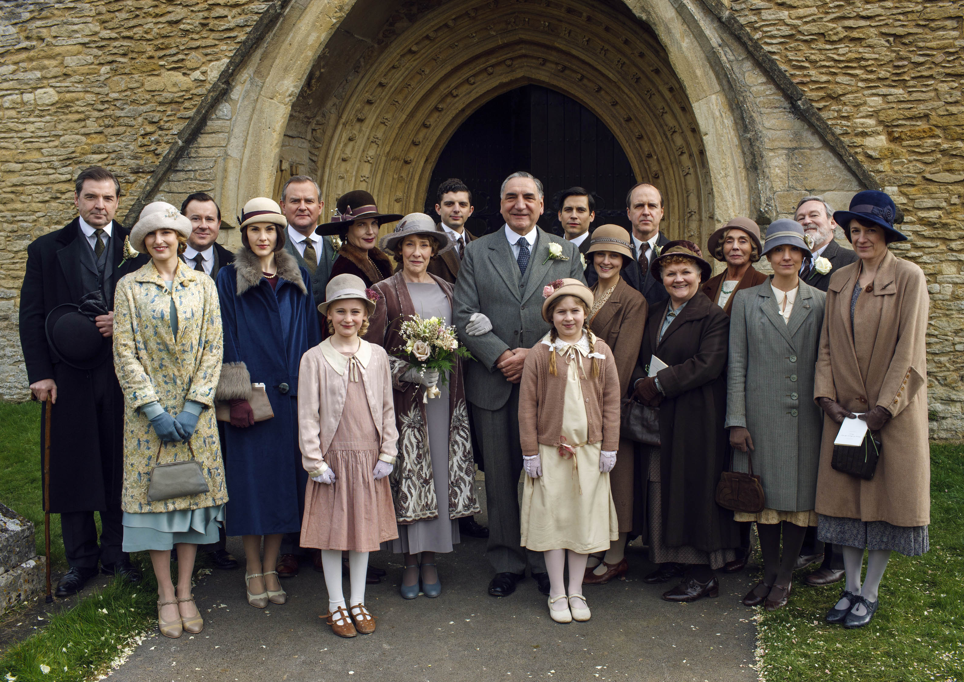http://assets.heart.co.uk/2015/39/downton-abbey-on-set-filming-4-1443781091.jpg