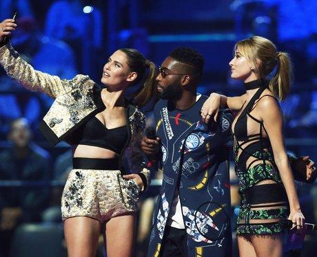 Hailey Baldwin,Tinie Tempah, Binace Balti MTV EMA'