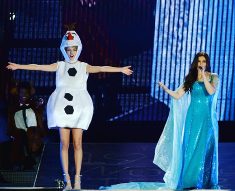 Taylor Swift as a snowman