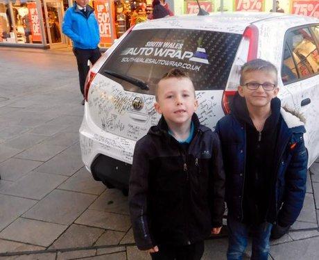 Heart's Christmas Carma at McArthur Glen!
