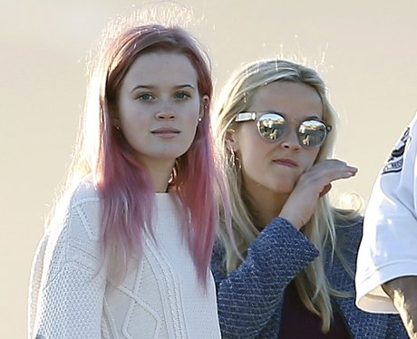 Reese Witherspoon with daughter