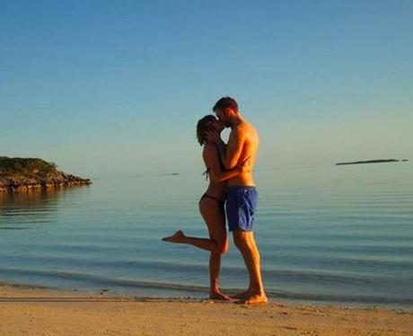 Taylor Swift, Calvin Harris, kissing, holiday