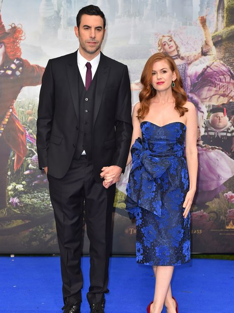 Sacha Baron Cohen Isla Fisher Alice Through The Lo