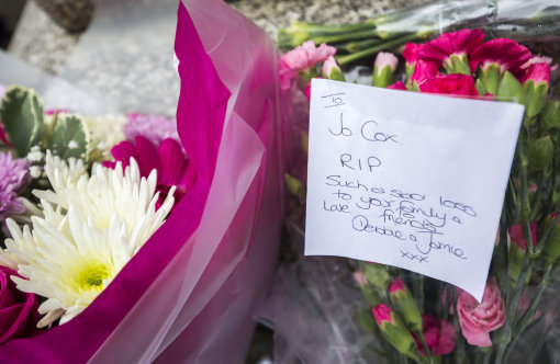 jo cox flower tribute