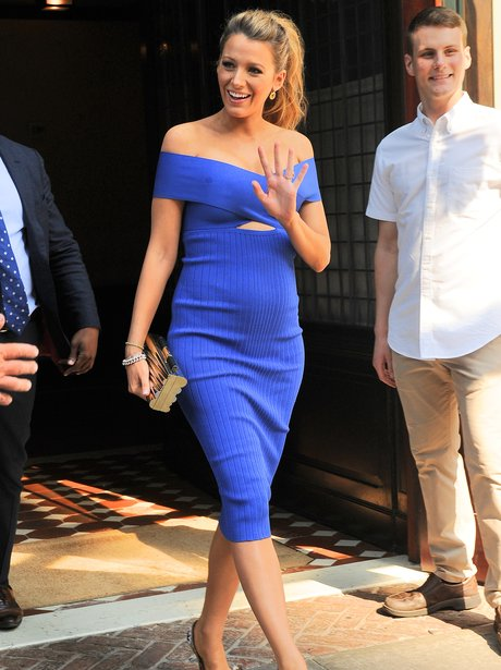 Blake Lively pregnancy bump