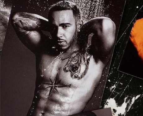 lewis-hamilton-topless-in-the-shower-146