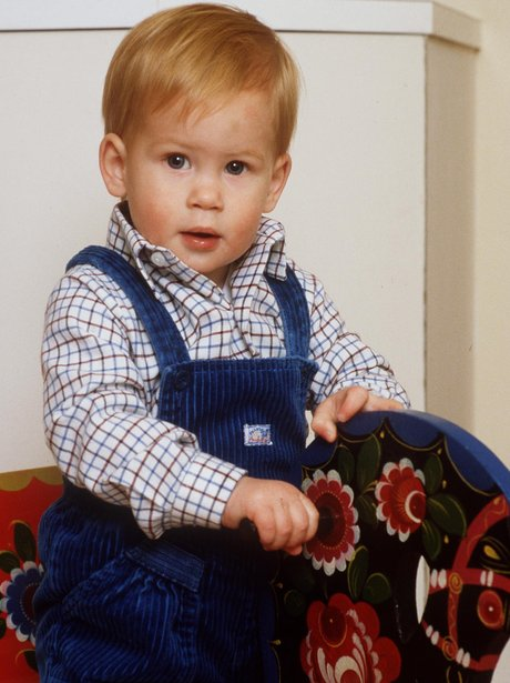 young-prince-harry-7-1468838207-view-1.jpg