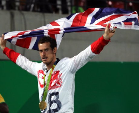 Andy Murray celebrates winning gold at Rio Olympic
