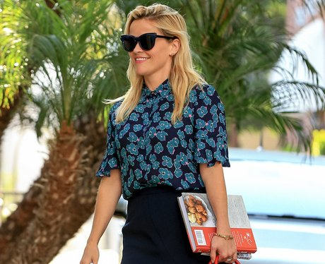 Reese Witherspoon Gets Ready For A Yummy Weekend