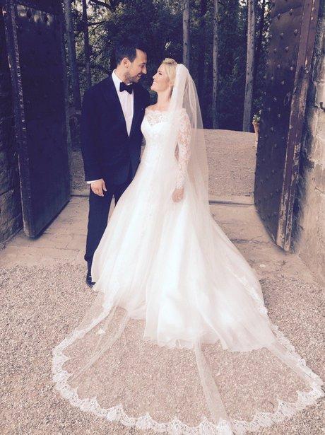 heidi range and alex partakis on wedding day