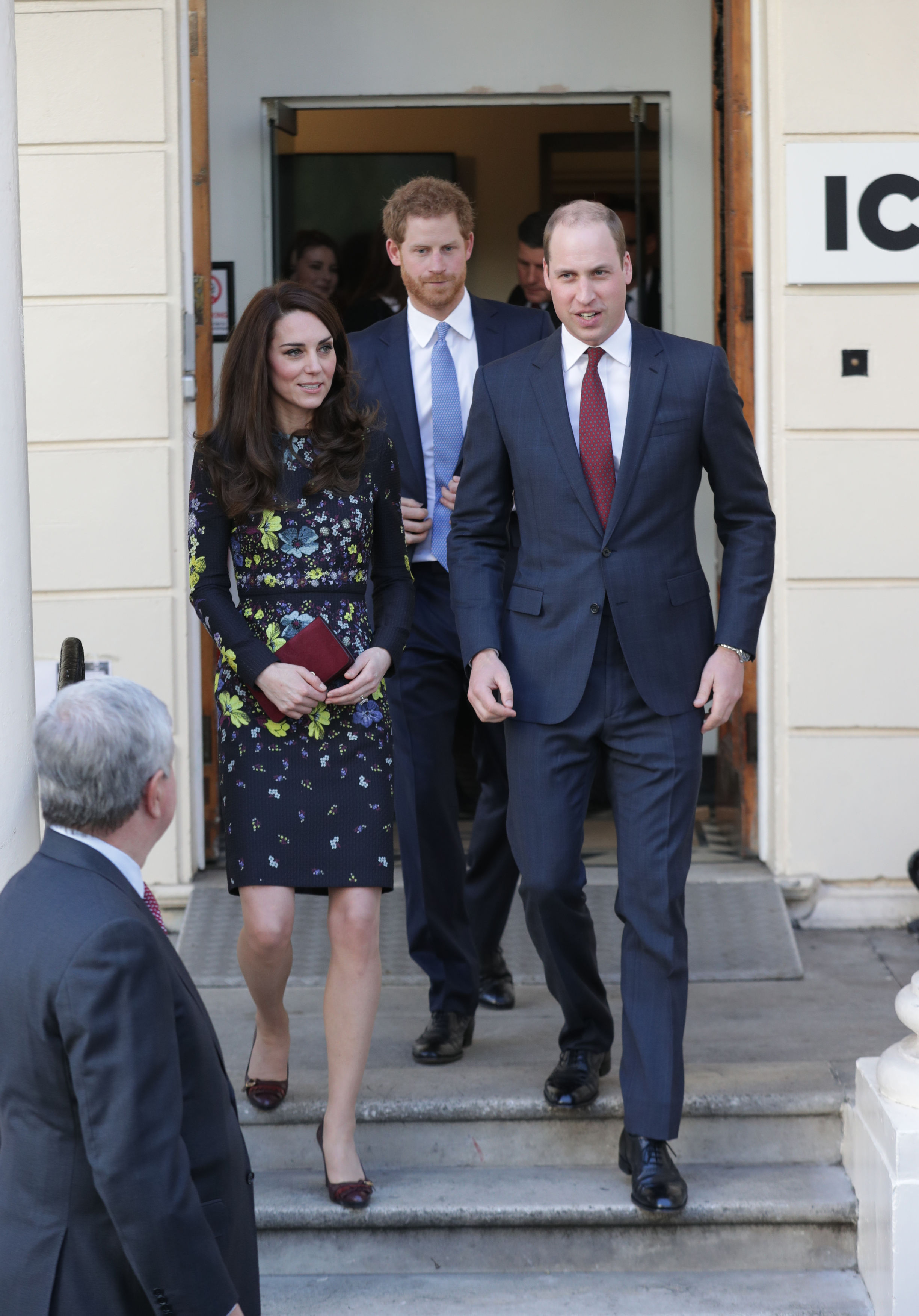 Kate Middleton And Prince William never hold hands