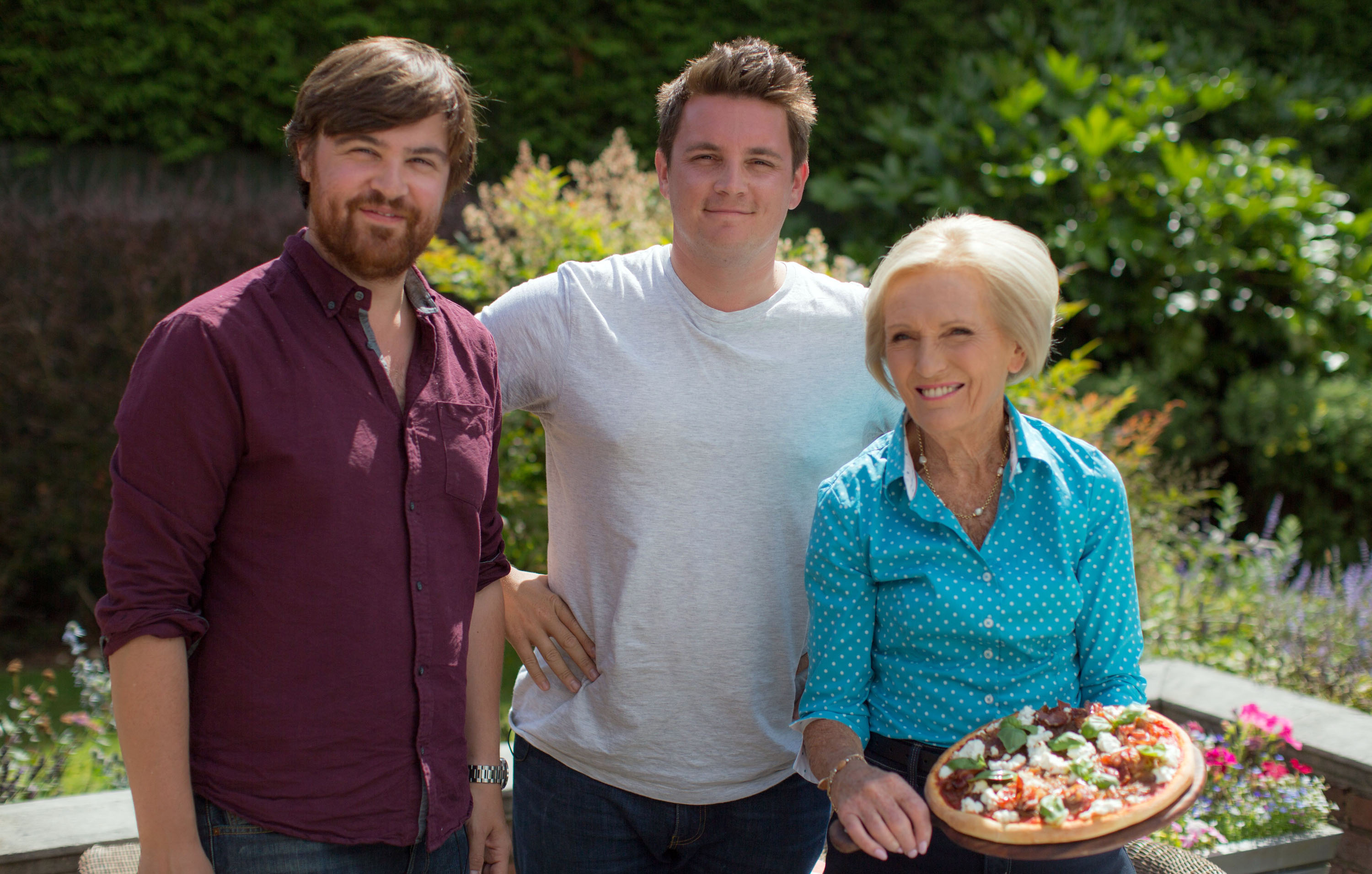 Mary Berry Every Day pizza