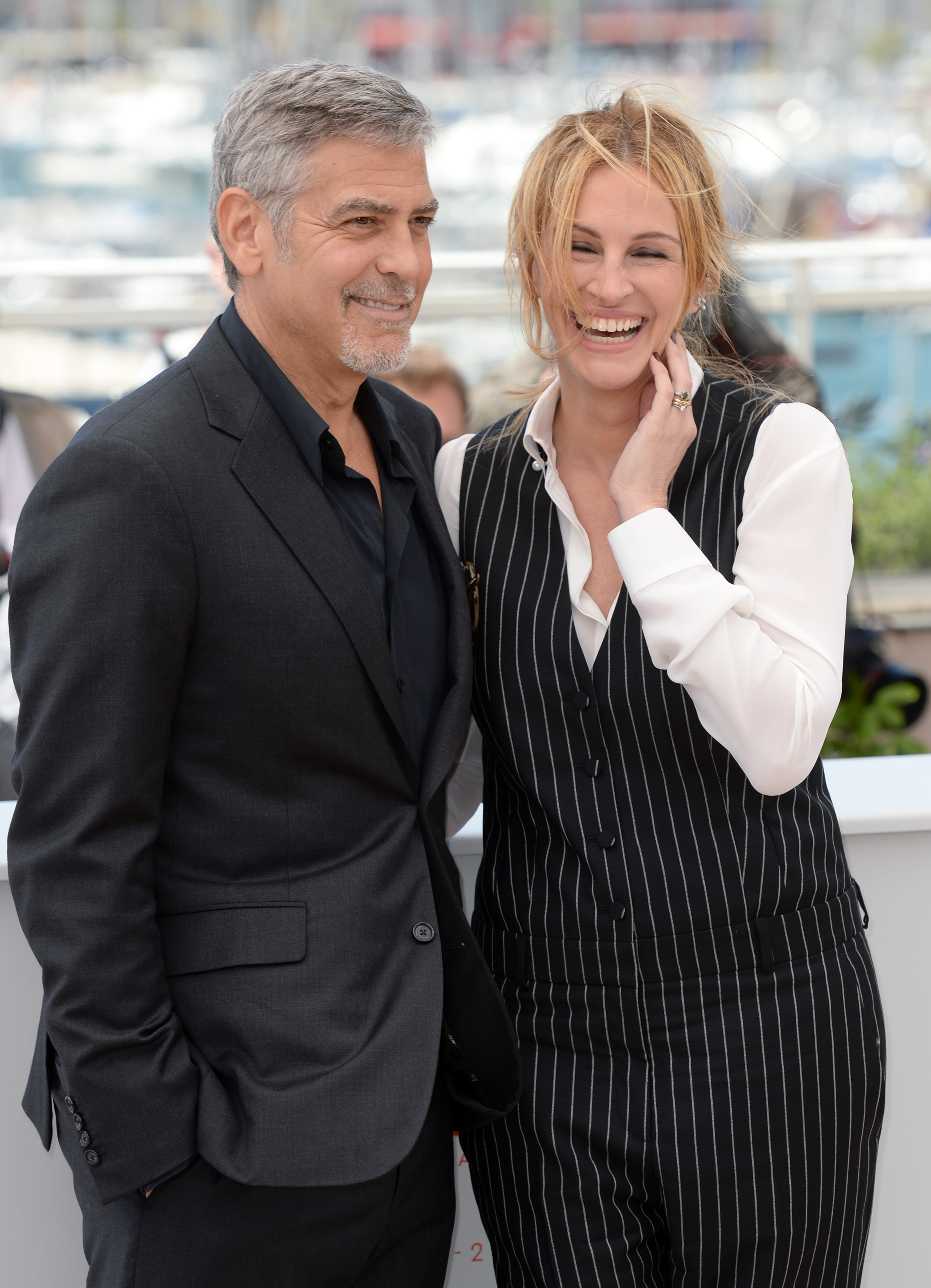 Julia Roberts and George Clooney Money Monster pho