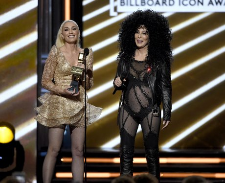 Cher is awarded the Icon Award