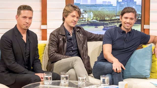 """Hanson Stun Fans With """"Unrecognisable"""" Appearance 20 Years ..."""