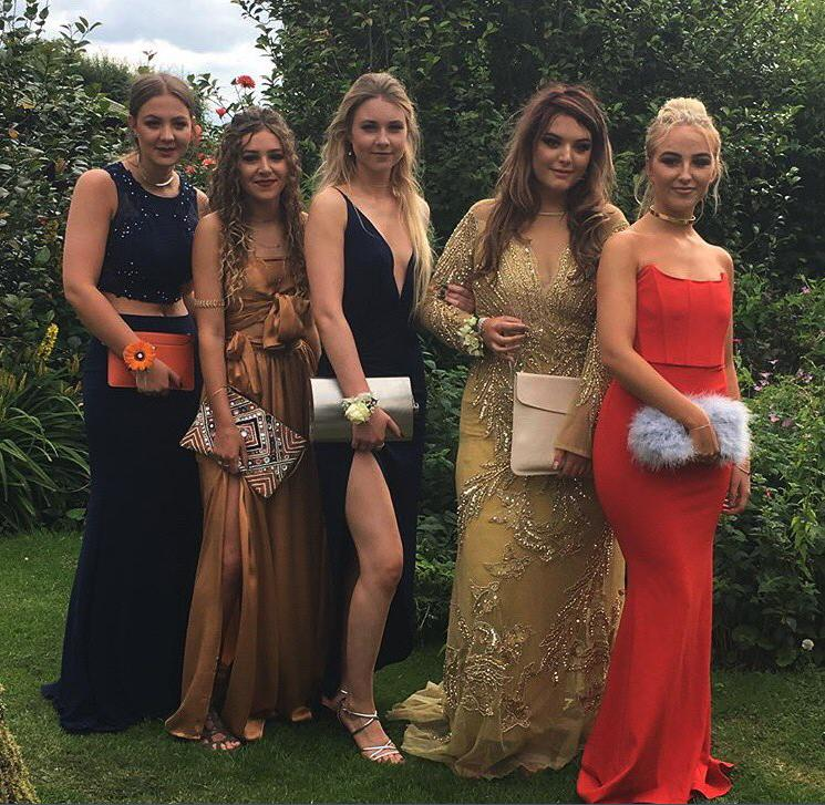 Can you spot what's wrong with this prom photo?