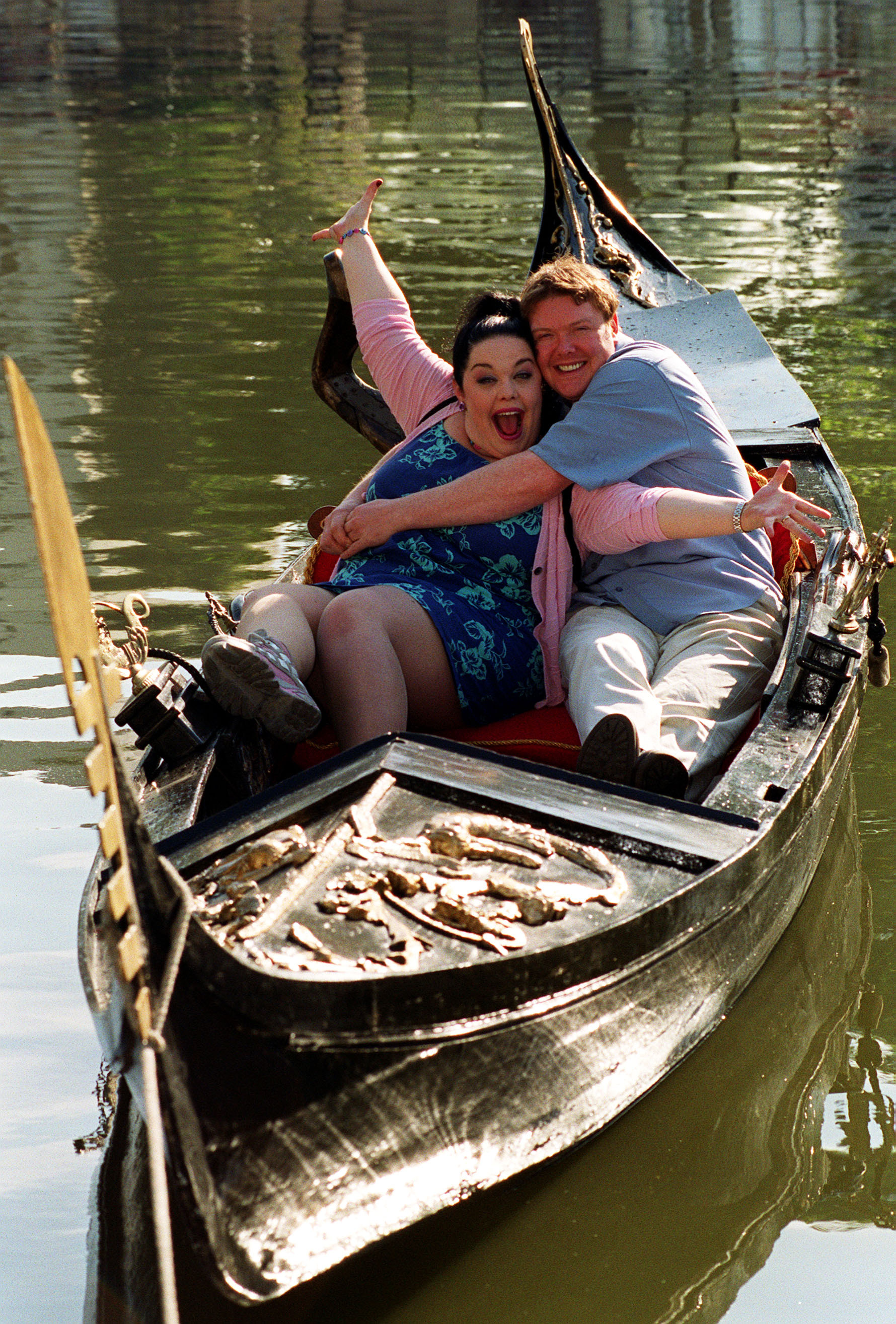 Mandy Dingle, Paddy Kirk in a gondola
