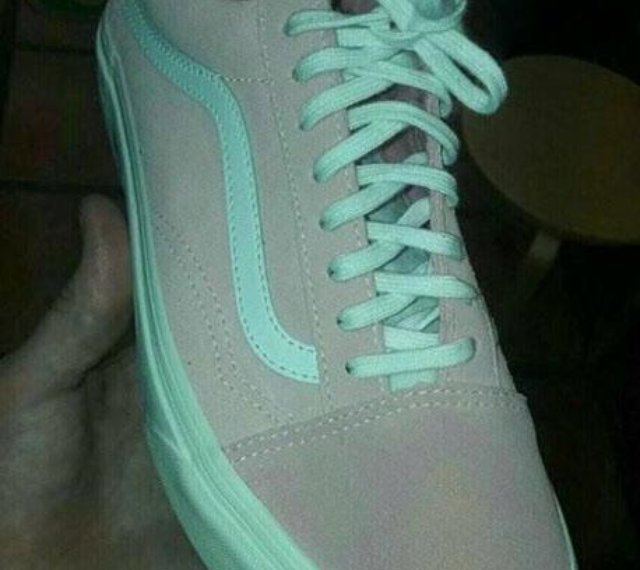c9b128d5dc283c What Colour Are These Shoes  The REAL Answer Has Everyone Baffled!