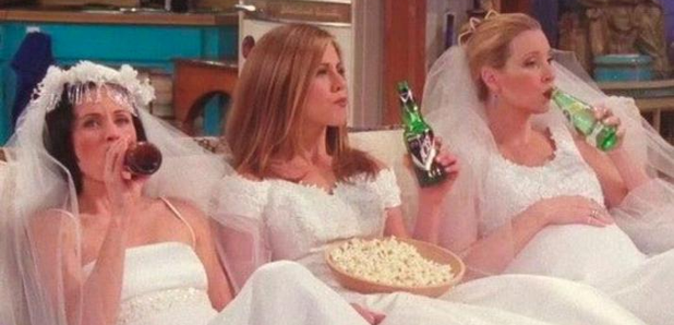 Jennifer Aniston Should Just Follow 'Friends' To Get Over