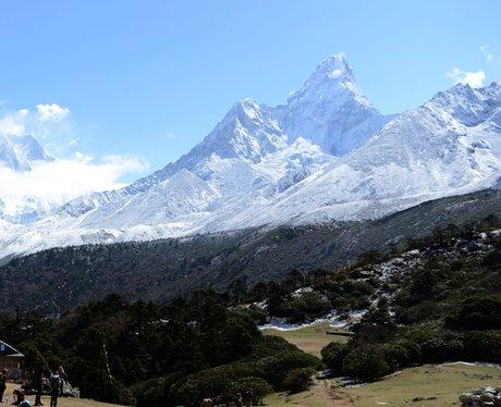 Mount Everest skyline