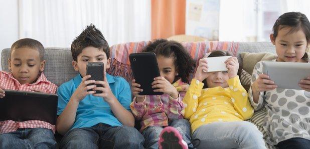 Kids on phones technology