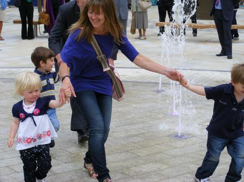 Family in fountains in Letchworth